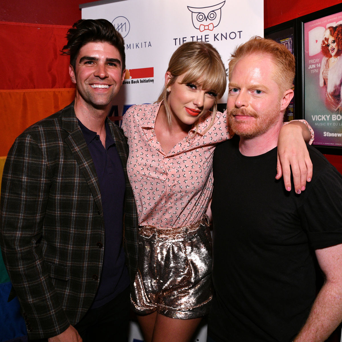 NEW YORK, NEW YORK - JUNE 14: (L-R) Justin Mikita, Taylor Swift, and Jesse Tyler Ferguson attend AEG and Stonewall Inns pride celebration commemorating the 50th anniversary of the Stonewall Uprising. AEG has pledged its support to SIGBIs development of an LGBTQ+ anti-bias training standard. #EqualityForAll #BetterAsOne (Photo by Bryan Bedder/Getty Images for AEG)